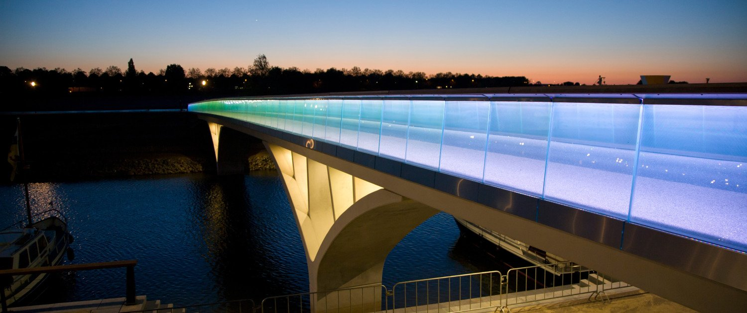 Weerdsprong concrete bridge Venlo, bridge design by ipv Delft