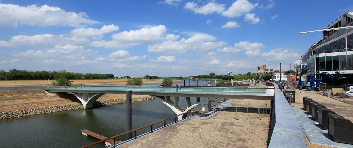 Weerdsprong bridge concrete, top view, Venlo, bridge design by ipv Delft